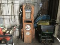 Old Wayne Gas Pump Cut 60, S/N47432