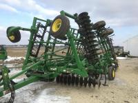 "2009 JD 2310, 27'9"" Soil Finisher, Gauge Wheels, 6 bar spike tooth drag, One Onwer"