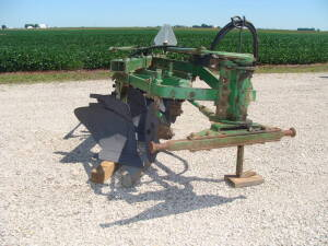 "JD F145 semi mount plow, 4-14"", good condtion"