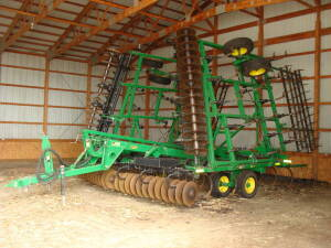 "2001 JD 726 Soil Finisher 33', 7"" spacing, 5 bar spike tooth drag, rear hitch w/elec & hyd"
