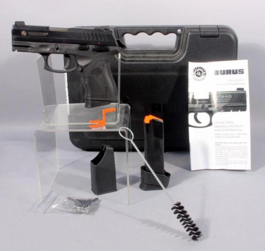 Taurus PT 840C, 40 Cal with Case and Extra Mag - Current