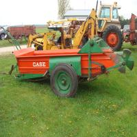 Case ground driven manure spreader, good bottom