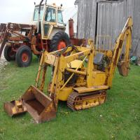 Magnatrac Crawler, Loader, Backhoe, w/extra bucket, S/N