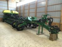 "2016 JD 1775 NT Exact Emerge, high speed planter, 24R-30"", Delta Down Force, Yetter unit mounted coulter w/63""/25 fluted blade & pneumatically controlled row cleaner, elec. Drive w/planter power gerneration, frame wt. distribution, draw barhitch, S/N:1A01775HCGM765263"