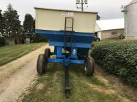 DMI E-280 Gravity Wagon w/hyd. seed auger