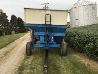 DMI E-280 Gravity Wagon, 2 compartments w/hyd. seed auger