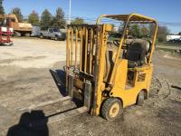 CAT TL30 Forklift, 27000 lbs, side shift, propane, 13' mast, solid rubber
